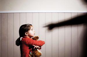 مطالبهگر حقوق کودک باشيم