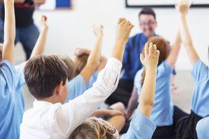 جايگزيني ماشينهاي هوشمند با معلمها تغيير است يا تهديد؟