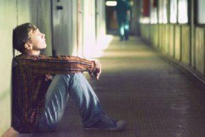 ارتباط افکار مثبت و منفي با نتايج امتحانات دانشجويان