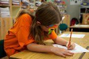 گزارش یورونیوز از نظام آموزشی فرانسه؛ «آموزش کالا نیست، مدرسه تجارتخانه نیست»